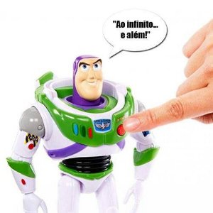 Boneco Buzz Lightyear Toy Story Articulado/som True