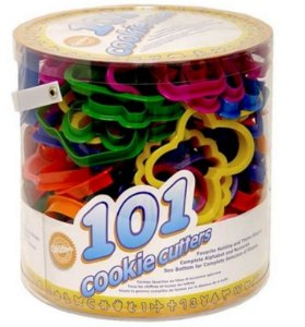 Kit Wilton com 101 Cortadores Plásticos (letras, animais, transportes, etc)