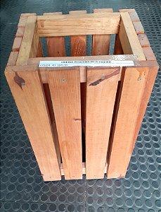 Lixeira de madeira (Usada)