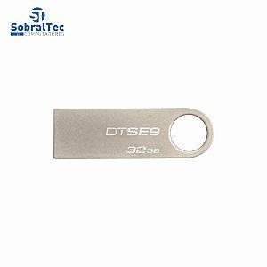 Pen Drive Kingston 32Gb Usb 2.0 Prata Plug And Play DataTraveler SE9 DTSE9H/32GBZ