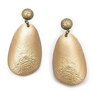 Brinco dourado de escama de pirarucu