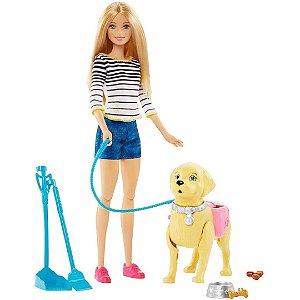Boneca Barbie Passeio com Cachorro - Mattel