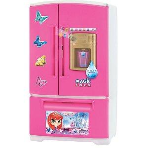 Geladeira da Princesa Meg Sai Água de Verdade Magic Toys
