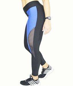 Legging com detalhes em azul no suplex e tule