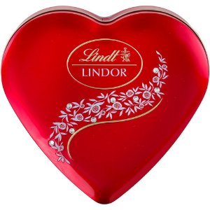 CHOCOLATE LINDT LINDOR MILK CRYSTAL HEART 212G