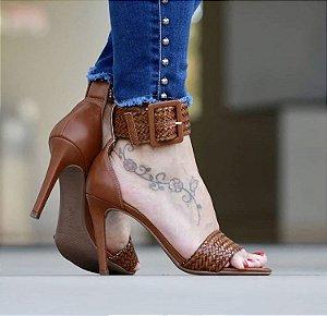 Sandália Salto Fino com Fivela - Caramelo