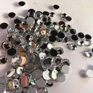 Chaton Diamante 10mm 70pcs Acrílico Base Reta Colagem Sem Furo
