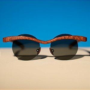Óculos de Sol Modelo Gaivota Pixoxó em Louro Faia Hayô