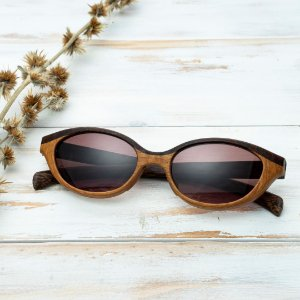 Óculos de Sol Modelo Jaguaretê Guaruba em Jatobá Hayô