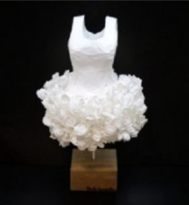 Escultura Vestido de Ballet bco 42x26x26cm