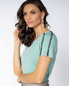 Camiseta bordado ombro