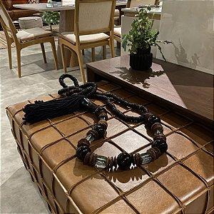 Colar de Mesa com Detalhes Quadrados Vidro