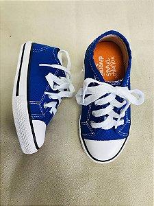 Tênis azul royal