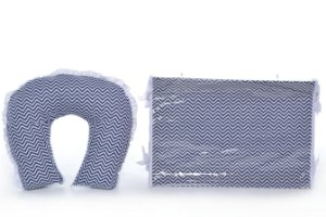 Kit Almofada Amamentação e Trocador Americano Chevron Azul Marinho