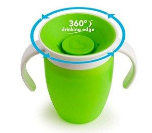Copo 360 com Alça e Tampa Verde 207 ml
