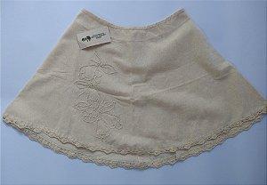 Minissaia em algodão cru e detalhes em crochê