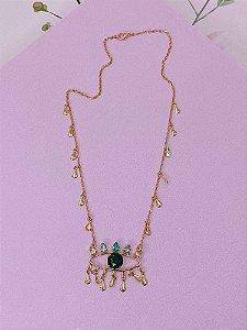 Colar Olho Grego dourado com pedrinhas rosê, lilás, azul claro e verde.