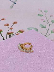 Piercing fake dourado com mini pérolas