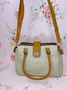 Bolsa Layla  Baú com detalhes dourados - bege, preto, mostarda, rosê ou coral.