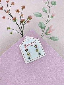 Brinco trio de florzinhas - cores variadas
