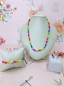 oKit com colar,pulseira e anel Smile - preto e branco ou colorido