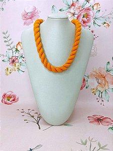 Colar cordão torcido - preto, rosa, laranja ou amarelo