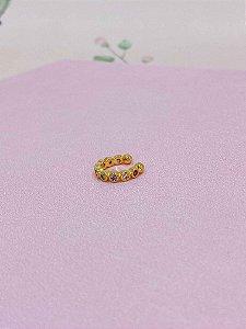 Piercing fake dourado com mini pedrinhas coloridas