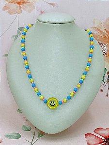 Colar Smile grande com  miçangas  coloridas - azul ou lilás