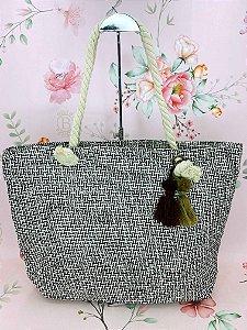 Bolsa praia preto e branco com chaveiro tassel