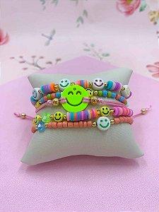 Pulseira kit Smile com miçangas e disquinhos coloridas - cores variadas