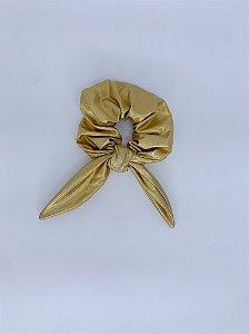 Scrunchie metalizado - dourado