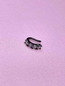 Piercing Fake ônix com pedras -branco ou preto