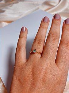 Anel solitário - pedra verde clara