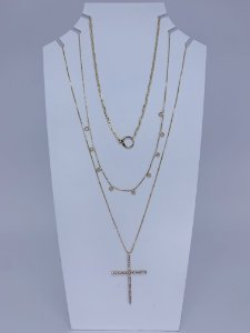 Kit com três colares individuais com pingente de cruz - dourado
