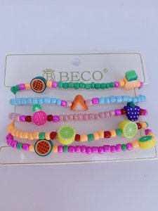 Kit pulseiras mini miçangas coloridas com frutinhas em biscuit