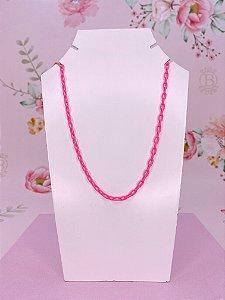 Colar corrente com elos finos rosa neon