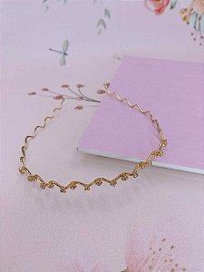 Arco metal ondulado e pedras  em strass  - dourado ou prata