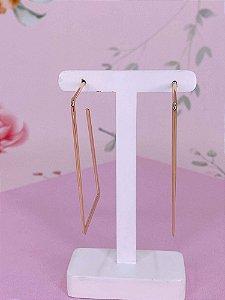 Brinco argola em formato retangular - dourado, rosê ou prata