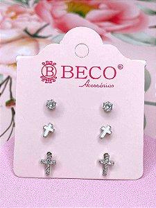 Brinco trio prata com pedra e cruz - branco, preto, azul ou rosa