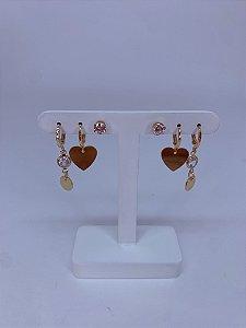 Kit de argolinhas dourado com  coração e pedra