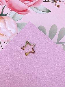 Piercing dourado ou prata de estrela  com strass - branco ou colorido