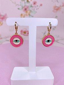Brinco argolinha dourada com pingente de olho grego rosa