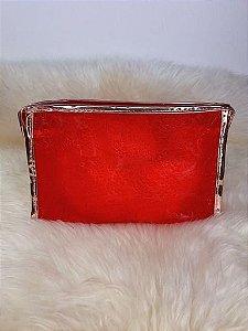 Nécessaire vermelha com leve transparência e detalhe rosê gold