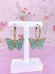 Argola dourada com pingente borboleta verde tiffany