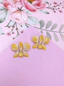 Brinco dourado de Flor Borboleta esmaltado mesclado em amarelo