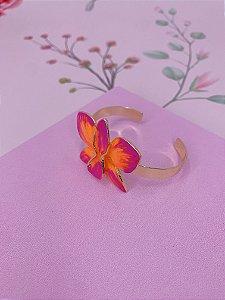 Bracelete dourado com Flor Borboleta esmaltada mesclado em laranja com rosa