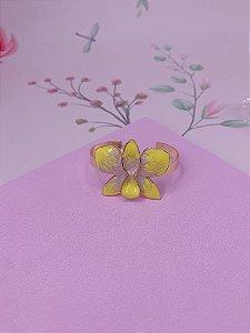 Bracelete dourado com Flor Borboleta esmaltada mesclado em amarelo