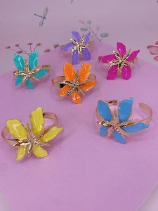 Bracelete dourado Flor de maio esmaltado-amarelo,rosa,laranja lilás,azul ou verde tiffany