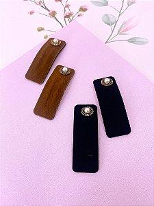 Tic-tac retangular camurça com  pérola-preto ou marrom