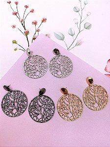 Brinco circular com folhas vazadas-prata,dourado ou ônix